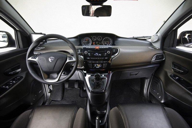 Lancia Ypsilon 1.2 8v 69 ch Stop&Start