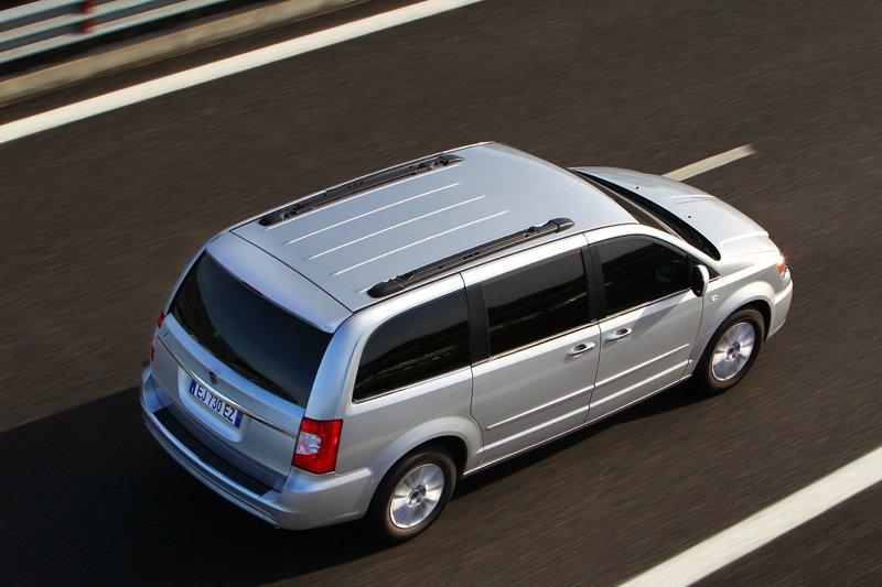 Lancia Voyager 2011