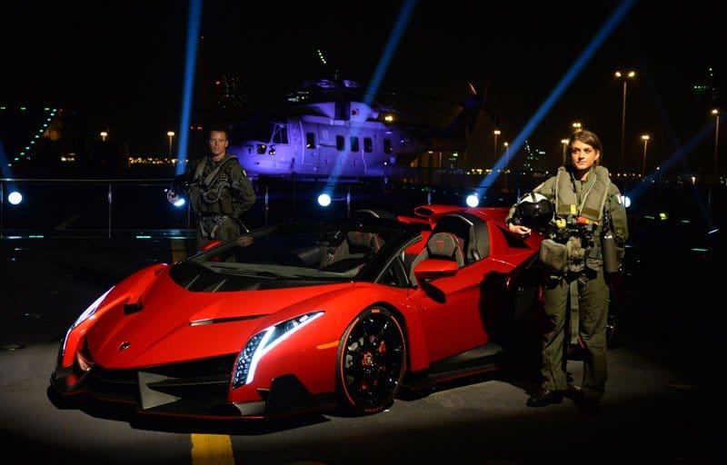 Lancement de la Lamborghini Veneno Roadster