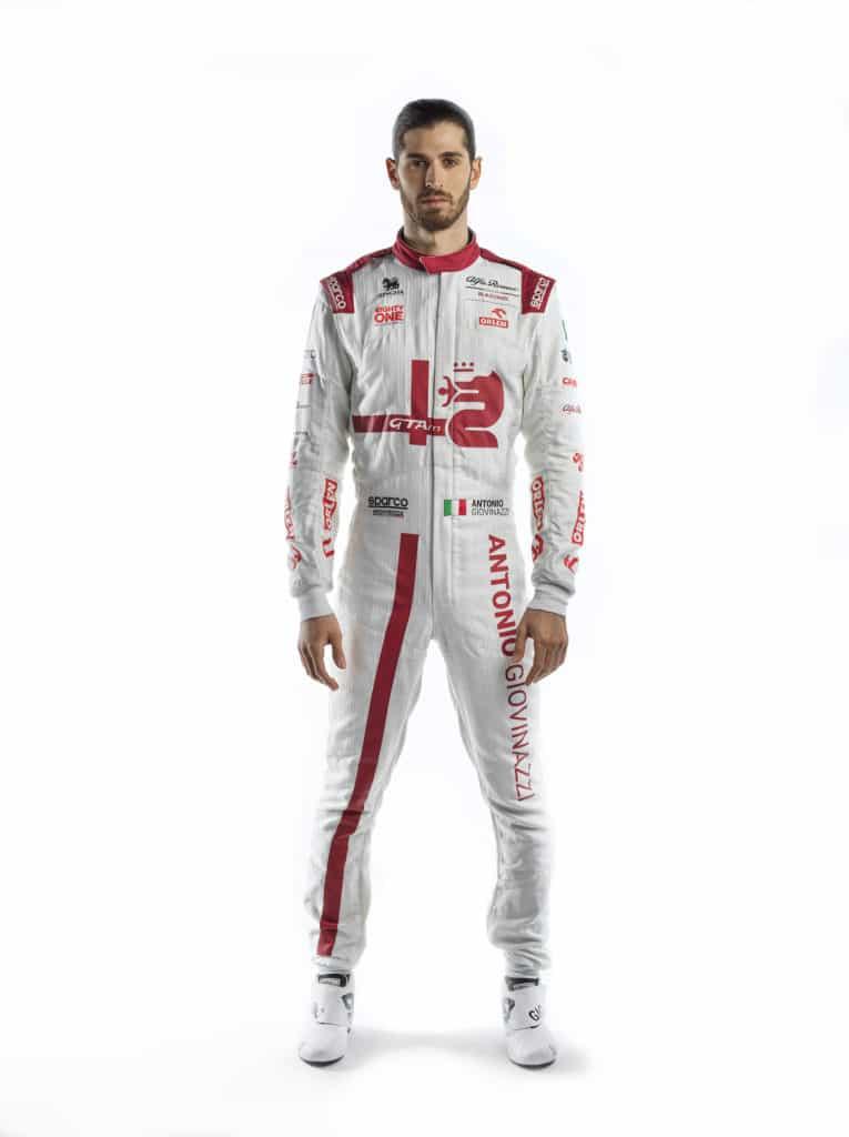 La combinaison d'Antonio Giovinazzi pour la saison 2021 - Alfa Romeo Racing Orlen