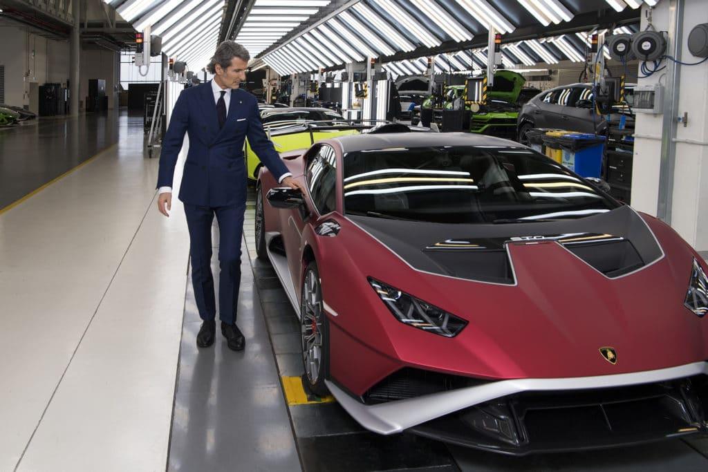 Stephan Winkelmann, PDG de Lamborghini, et l'Huracan STO