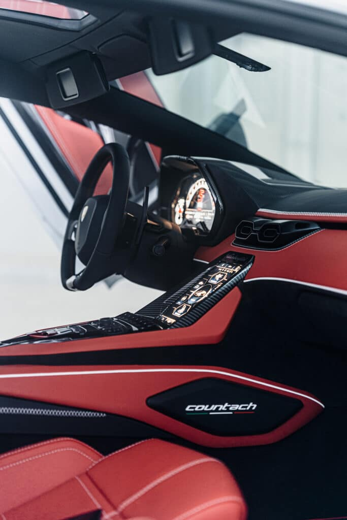 Lamborghini Countach LPI 800-4-16