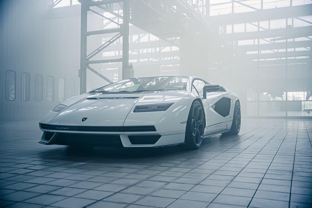 Lamborghini Countach LPI 800-4-24