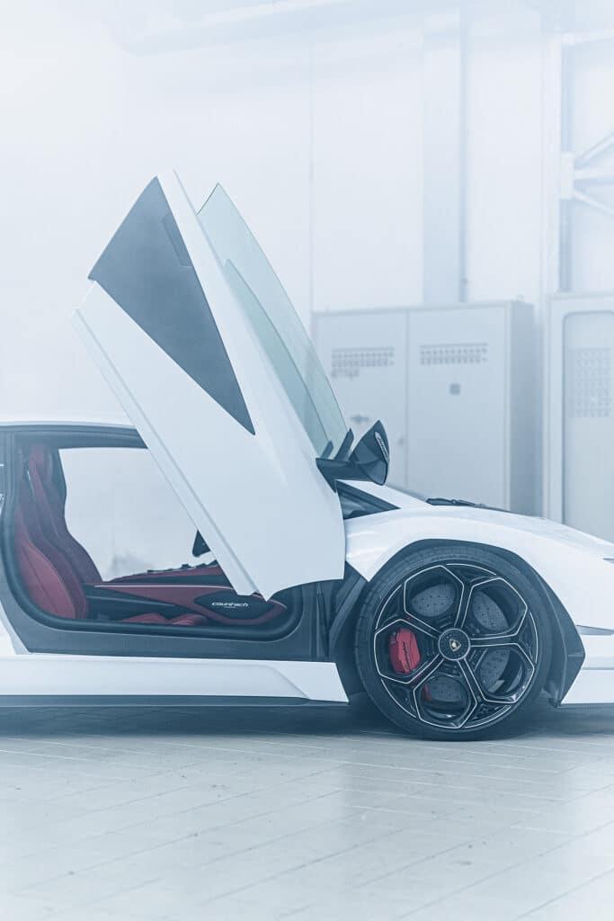 Lamborghini Countach LPI 800-4-33