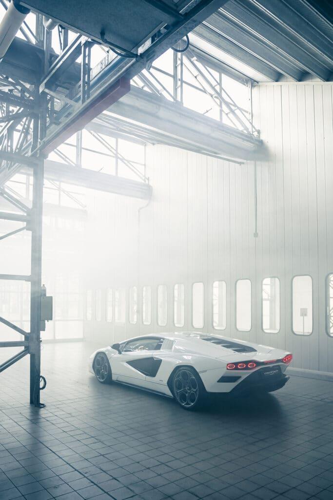 Lamborghini Countach LPI 800-4-38