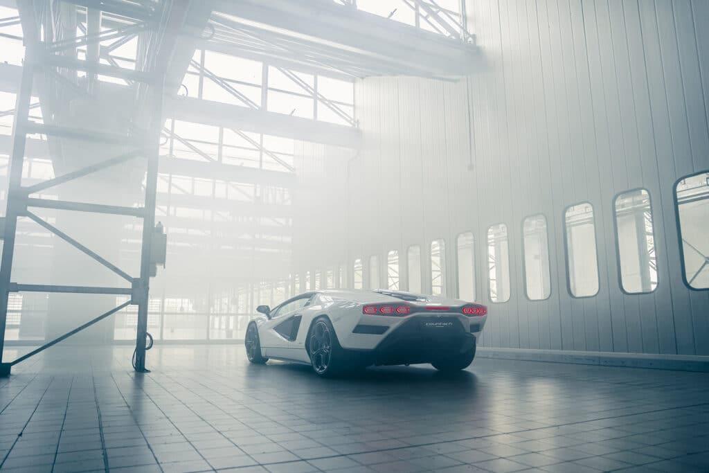 Lamborghini Countach LPI 800-4-39