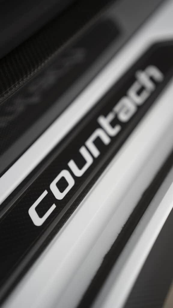 Lamborghini Countach LPI 800-4-46