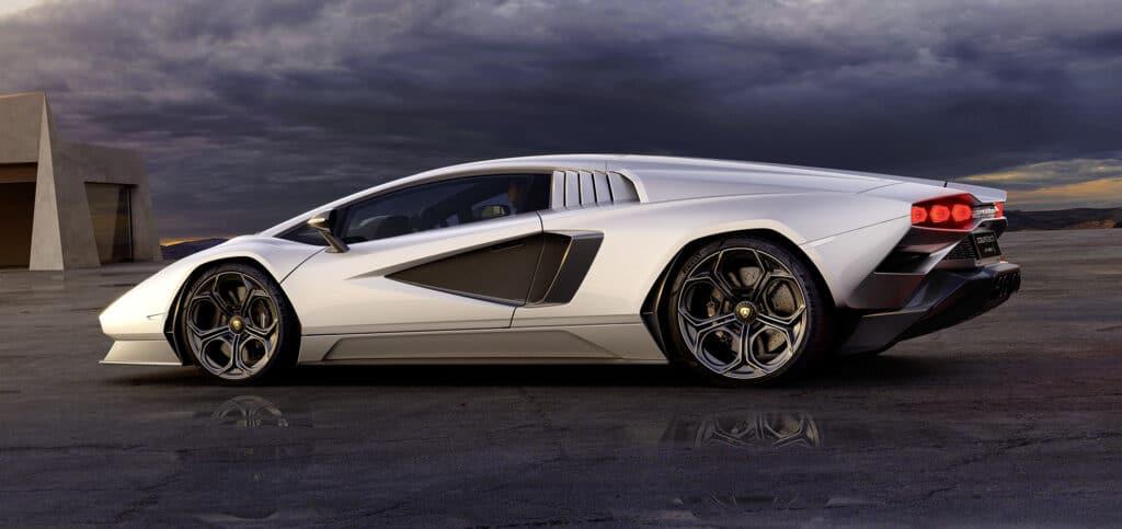 Lamborghini Countach LPI 800-4-64