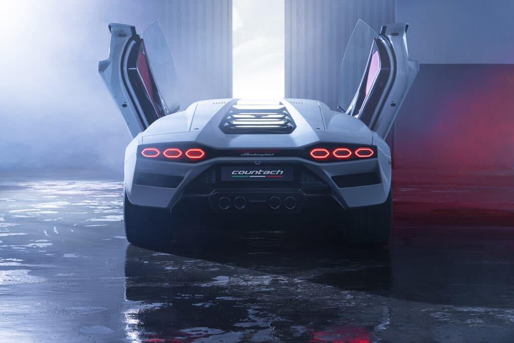 Lamborghini Countach LPI 800-4-75